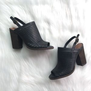 NWOT Lucky Brand Peep Toe Wooden Heel